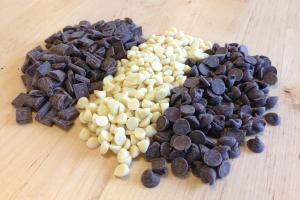 organic chocolate chips and chunks