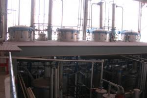 ESSENTIAL OILS, FLORAL WATERS & VEGETAL OILS